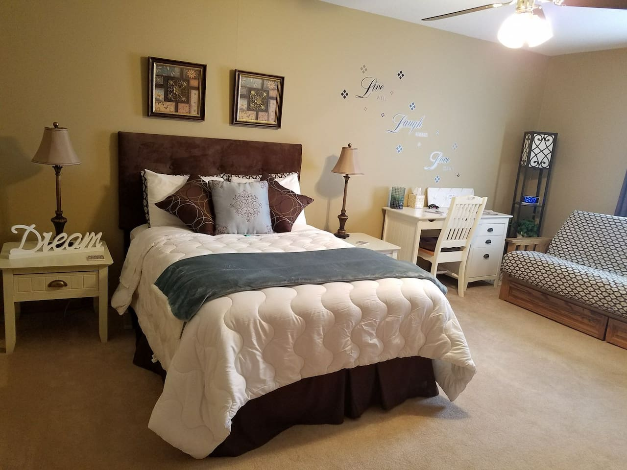Full size bed in cozy room with a beautiful water view. Also a very comfy futon that opens to a full bed for extra guests.