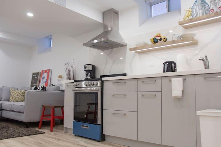 Chic Scandinavian Style 1Bd Basement Apartment