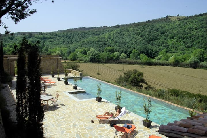 Casale Monticchio- The Main House, 8 to 10 guests