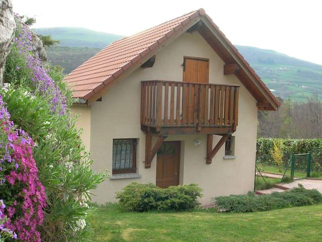 Maison au calme dans cadre exceptionnel - Cholonge - Casa