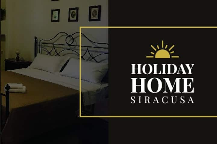 HOLIDAY HOME SIRACUSA