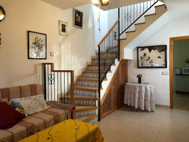 Pleasant House for family holiday in Los Alcazares