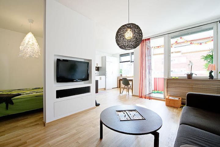 Karlaplan - Modern apartment with sunny balcony