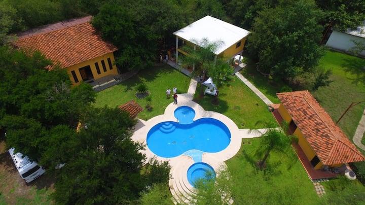 Casa de Campo con Alberca y Palapa
