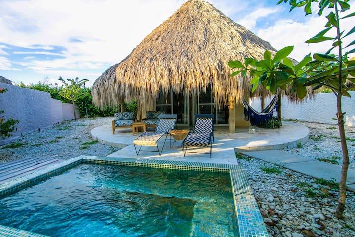 Blue Apple Beach House - Piña Standalone Cabaña