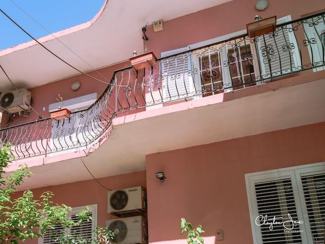 Nice room of the villa in center - tirana - Ev