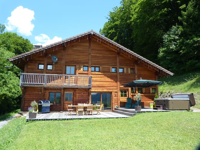 Luxury room with private balcony & Mountain views - Châtillon-sur-Cluses - Chalet