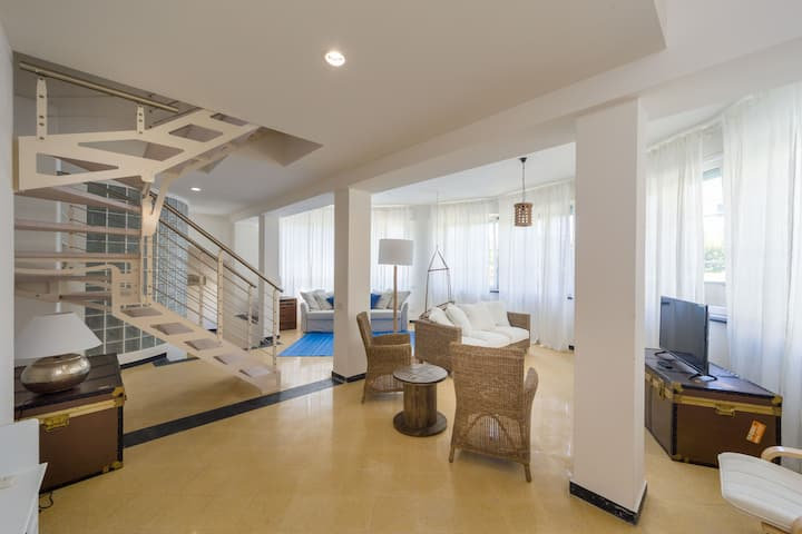 Luxury 200 sqm Sea View Loft, 100m from Beach #6