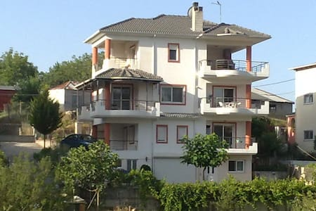 Comfortable quiet great views 2 Km. from the city - Ioannina - Ev