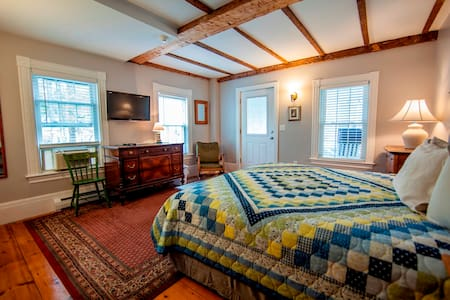 Abalonia Inn  Ogunquit Center, ME - Bed & Breakfast