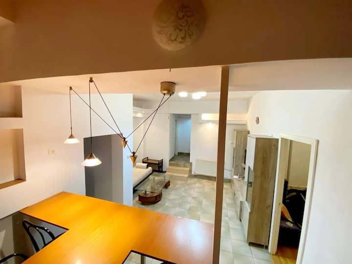 Apartament cu 3 camere în zona ultra centrala