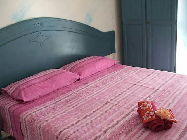 "B&b ""la casetta colorata"" - Dolianova - Bed & Breakfast"