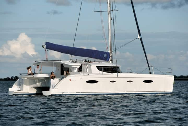 Luxury Boat Catamaran private, all inclusive Mahé