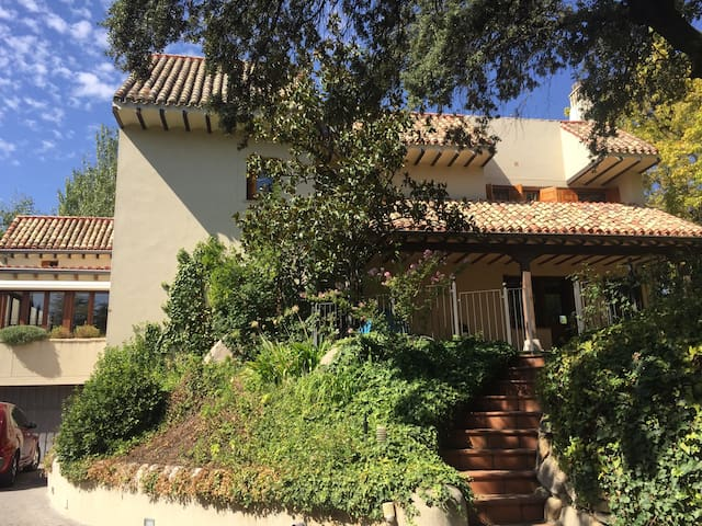 Luxurious Apartment with Terrace - Alcobendas