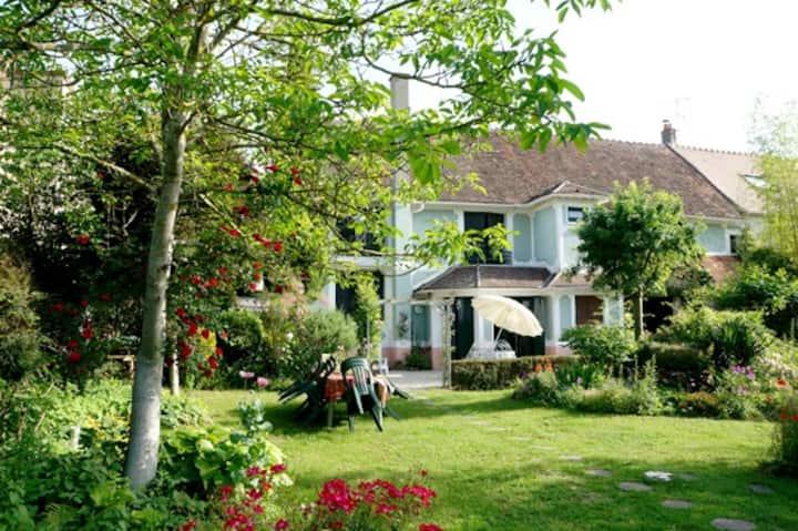Les châteaux de la Brie proches de Paris.