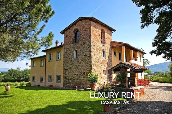 LUXURY VILLA AMONG THE VINEYARDS NEAR CORTONA - Selluzza - 一軒家