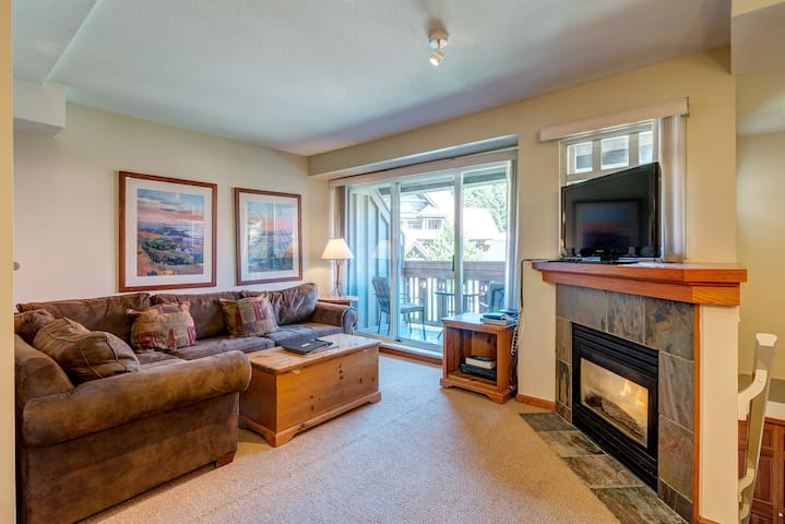 Whistler Village Sunpath 2bed/2bath Prime Location