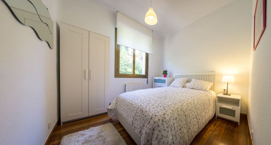 Bright modern flat. Great location! - Bilbao - Apartamento