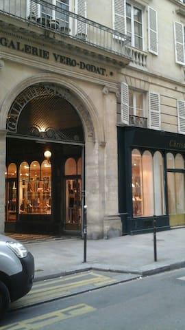 EN PLEIN COEUR DE PARIS LOUVRE/RIVOLI, STUDIO-LUXE