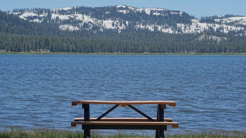 Cook in the camper then dine lakefront, steps away