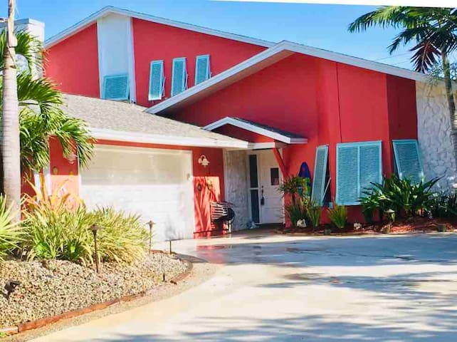 "Beach Side ""Paradise"" Rental..."