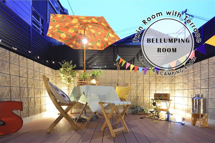 Twin Room with terrace♪  Good access to Umeda、USJ★