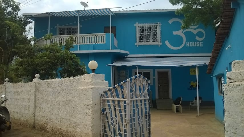 Dormitory for group of 10 near Vagator beach - Anjuna - House
