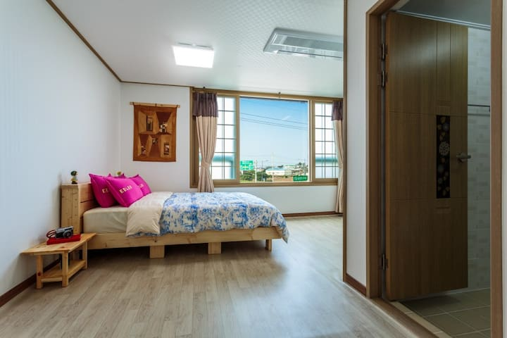 9평 원룸형 커플룸 Jeju Wayo Pension(제주와요펜션)