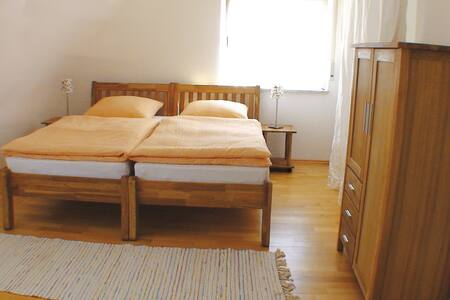 Ferienwohnung im Seminarhaus Szenario, 78 qm - Leimen - Lejlighed