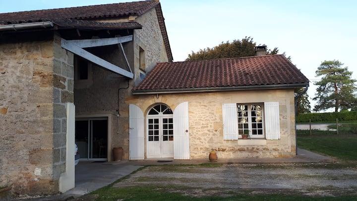 Maison agréable dans un petit village girondin