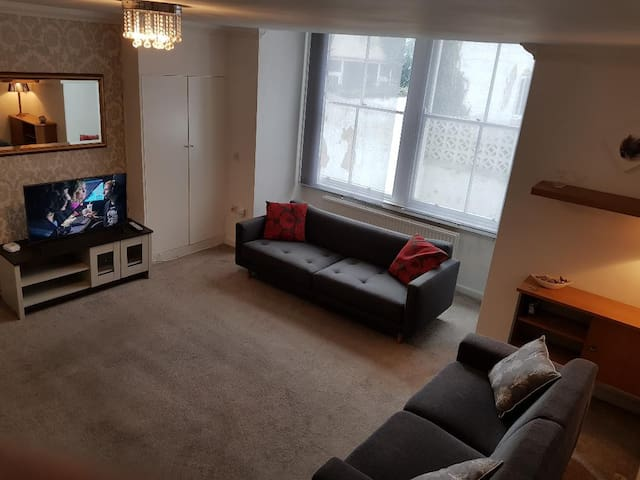 2 Bed Apart, Parking & Broadband - Leeds Centre