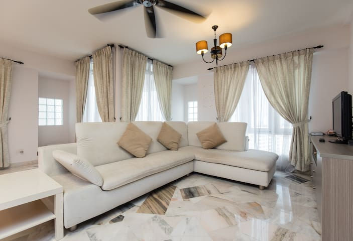 Cozy & Spacious Place In Centre KL - Kuala Lumpur - Apartment