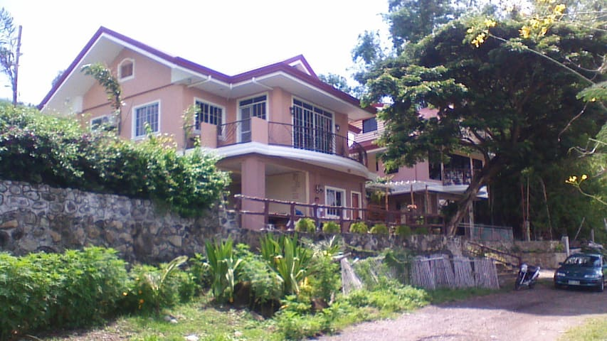 Pantawan art and learning - Bais, Negros Oriental - Bais City - House