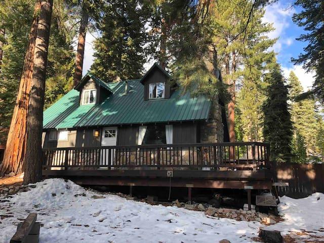 Carnelian Bay Lake Tahoe 4 bed 2 bath Lake Close