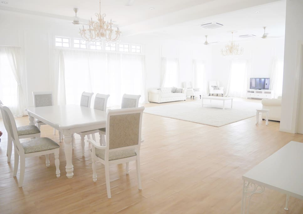 Dining area with spacious lounge