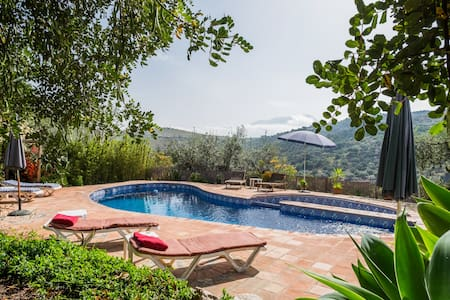 Cosy rustic cottage in beautiful Andalucia. Pool - Cútar - Huoneisto