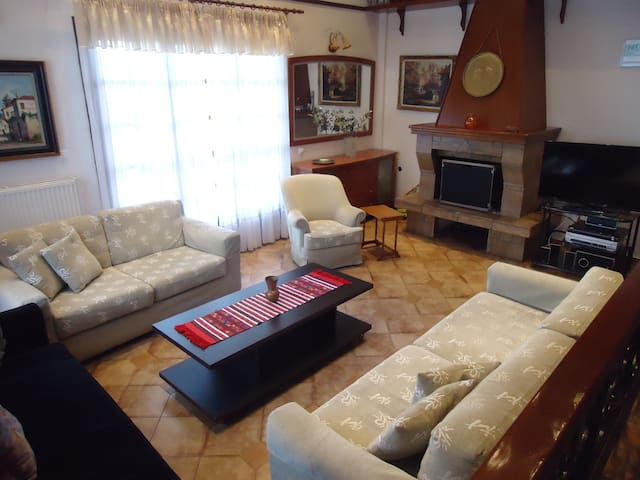 sunny house - Angelochori - House