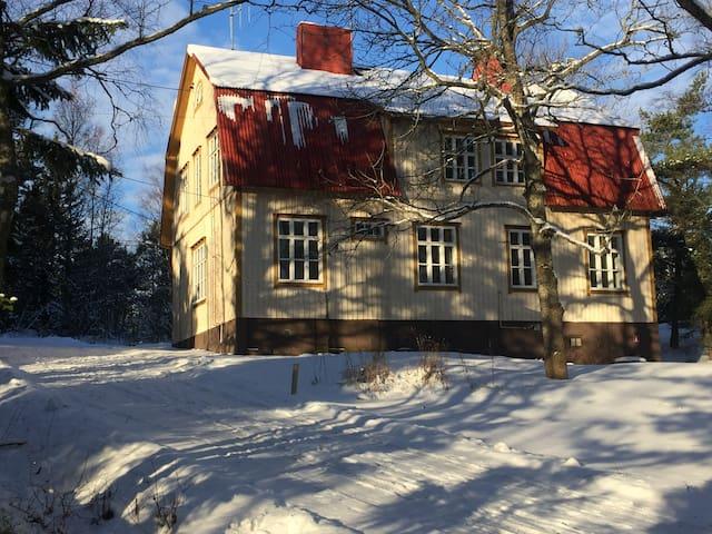 Villa Högbossa vieraat viihtyvät myös talvipakkasella!