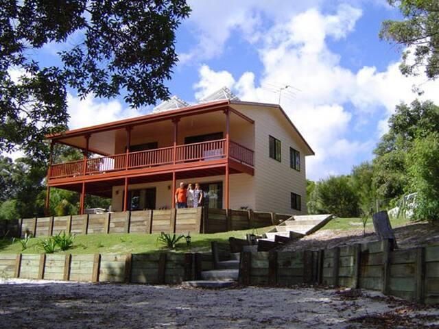 Seaview, Moreton Island, Australia - Bulwer