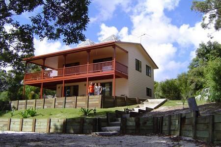 Seaview, Moreton Island, Australia - Bulwer - Hus
