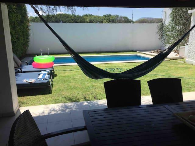 Casa con Alberca en Fracc Club de Golf El Cristo