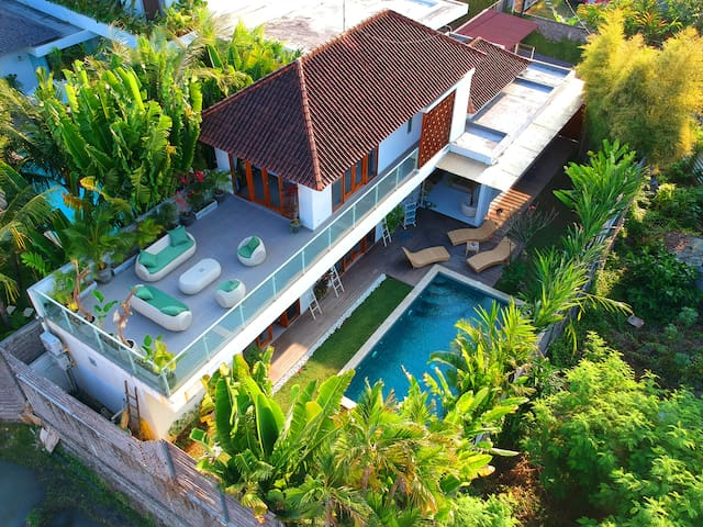 Beautiful 3 bedrooms Villa with private pool