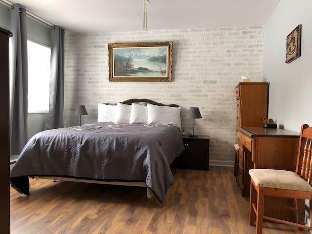 Motel Room  (Auberge Restwell Motel)