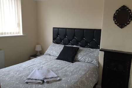 20min walk: Centre, Dock & Echo (n1 - Liverpool
