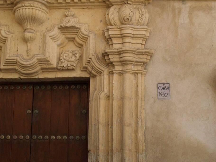 Entrada edificio siglo XVIII