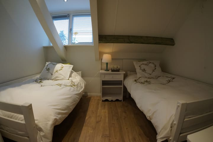 Private room (10 min from Eindhoven)