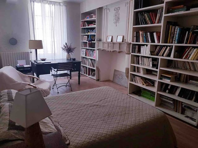 Chambre 2 avec bureau