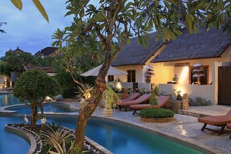 Private Villa with Balinese Feel - Kuta