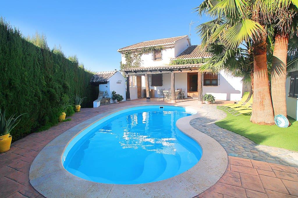 Encantadora casa con piscina privada y chimenea chalets for rent in padul andaluc a spain - Casa con piscina ...