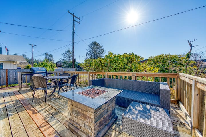 Dog-friendly house near the beach with firepit and private gas grill!